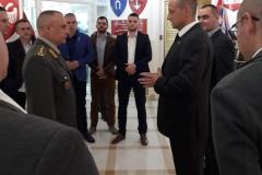 председник ИПО представља циљеве организације генералу Симовићу