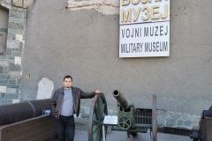 саветник председника Антоније Човић приликом наше посете војном музеју