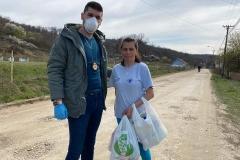 kristijan mitrovic dostavlja humanitarnu pomoc